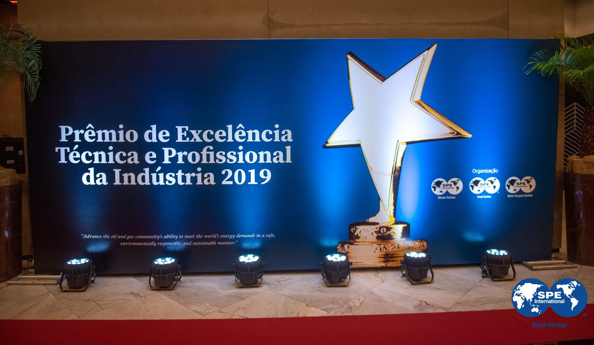 Realizado: Prêmio de Excelência Técnica e Profissional da Indústria.